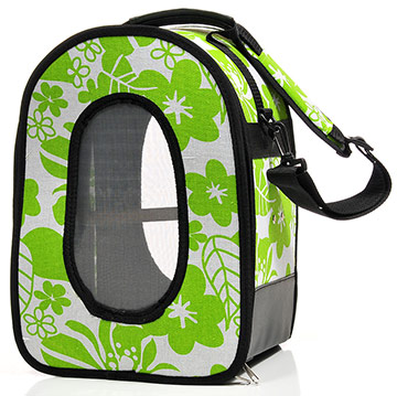 A&E soft parrot carrier in green